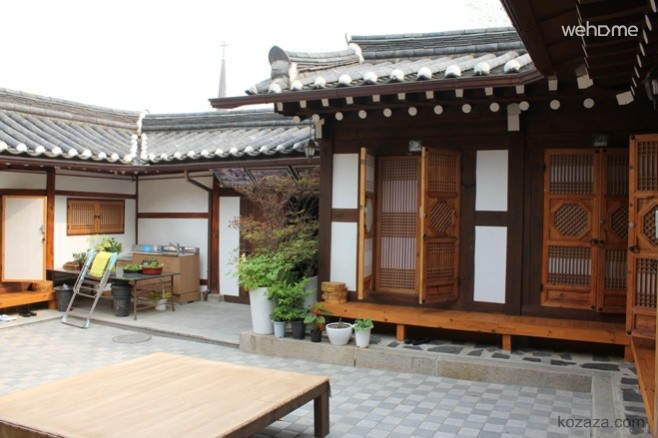 Gahoe Hanok Experience Center (Sharon)