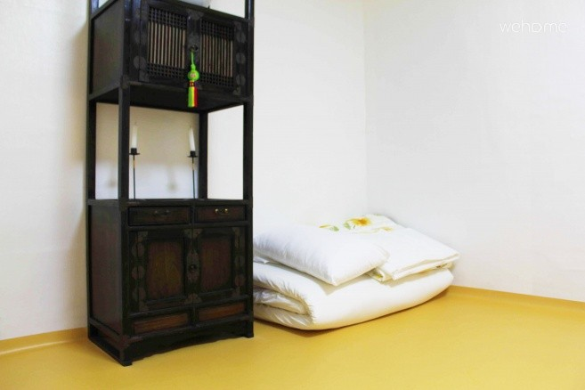 Mumum / Calm Layover Room 4