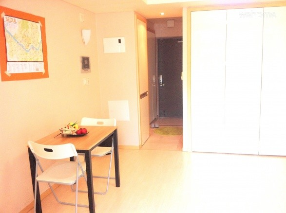 Entire Studio in Jongro Seoul (2-3 PAX)