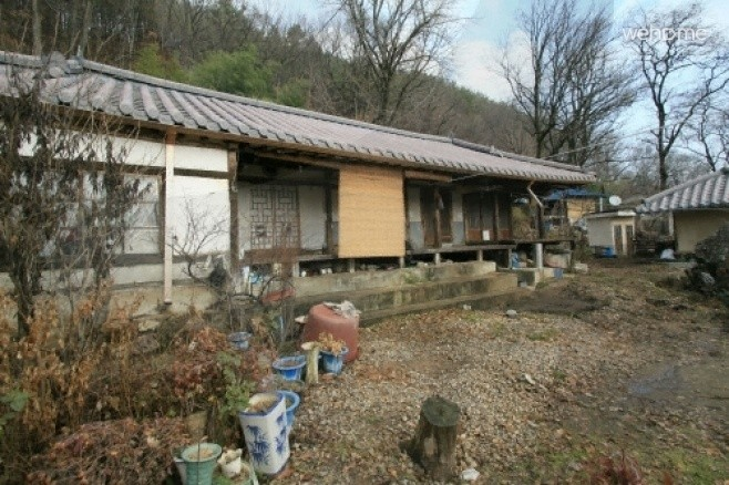 Goejeong main house, old houses