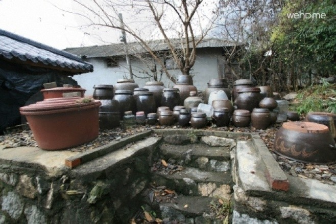 Sarangchae goejeong Old House