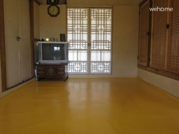 Gap-Soo Lee's House - Room1