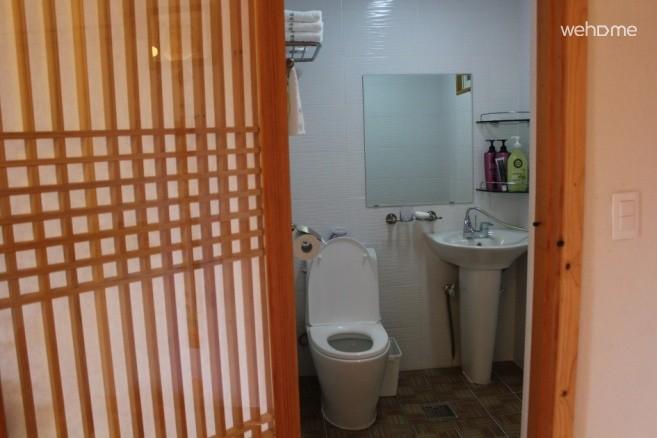 [Jeonju Hanok Village] HongRanMiDuk Room Hong