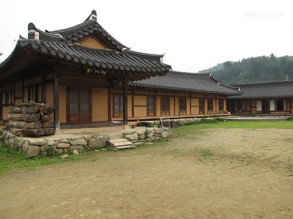 Chiong Art Center SooYangHeon: Fall