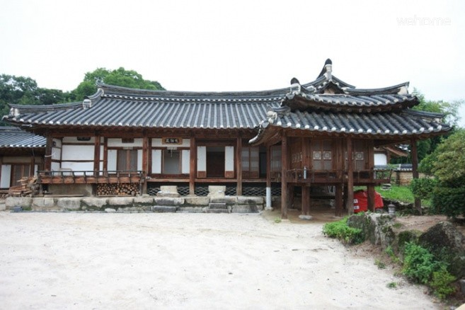 House of Jeong On's descendents: Room for 2 persons (1)