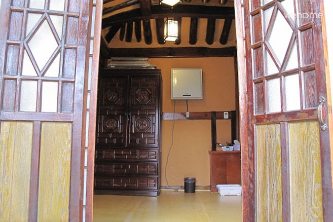 Gowoondang (located in the west of Gyeongbok Palace) Pink Room