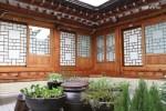 A Korean traditional house located in Bukchon Hanok Village : Single