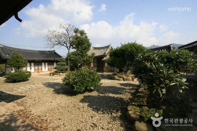 [Yeongam] Gukamsa Room #1