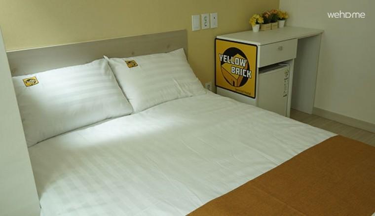 [종로] Yellow Brick - Deluxe Double Room (En Suite)