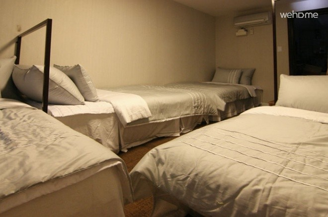 (Women only)B&B Chungdam Guest house , Dormitory