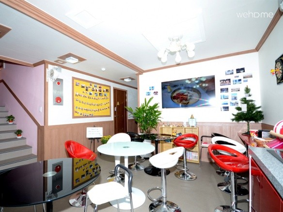 [Busan - Haeundae sandy beach guesthouse 2 minutes .1,2 layer alone building.