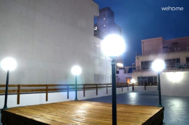 [海雲台]海雲台白砂浜で2分.1,2階ゲストハウス単独の建物。
