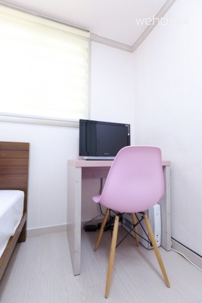 - Single Room (1 Single bed + 23 inch LED TV + Computer + Free Internet + Free wifi + Table + Chair etc.)
