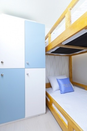- Dormitory Room (2 Double Deck beds + Locker)