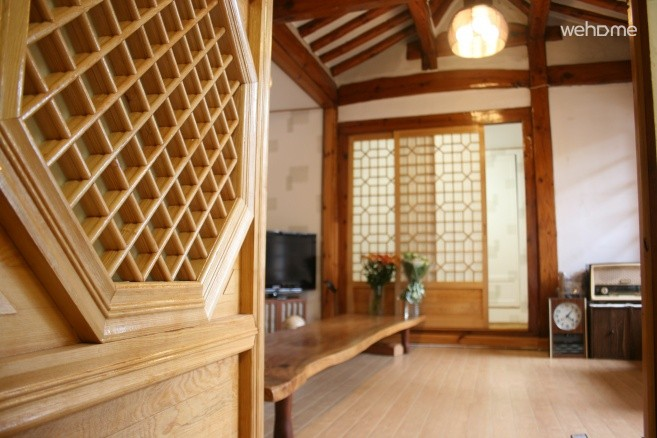 Dokchae, next to the palace, Vineyard House, the traditional Korean