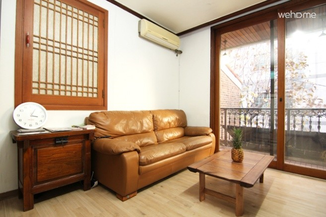 GANGNAM HAPPY TIGER : Family Room(Ondol)