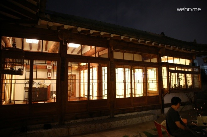 Hanok houses and accumulated a great sense of living 'Edition' gudeuljang room