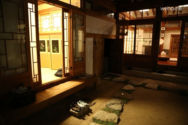 Hanok houses and accumulated a great sense of living 'Edition' small room