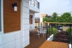 景福宫的白色二层建筑是花园四是美丽的seochon joksil