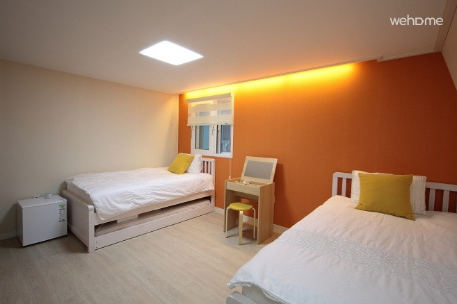 [Hongdae] Albergue  - Luxury & Modern Guesthouse - Twin Room