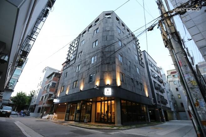 [Hongdae] Albergue - Luxurious & Modern Guesthouse - 4beds Room-
