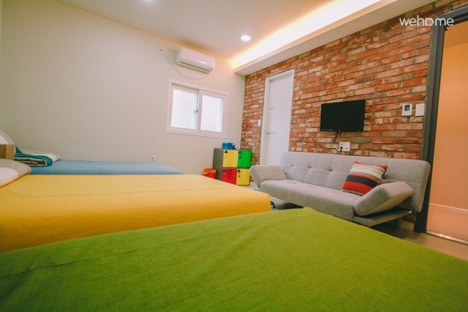 Haeundae beach villa opposite the sole studio accommodation
