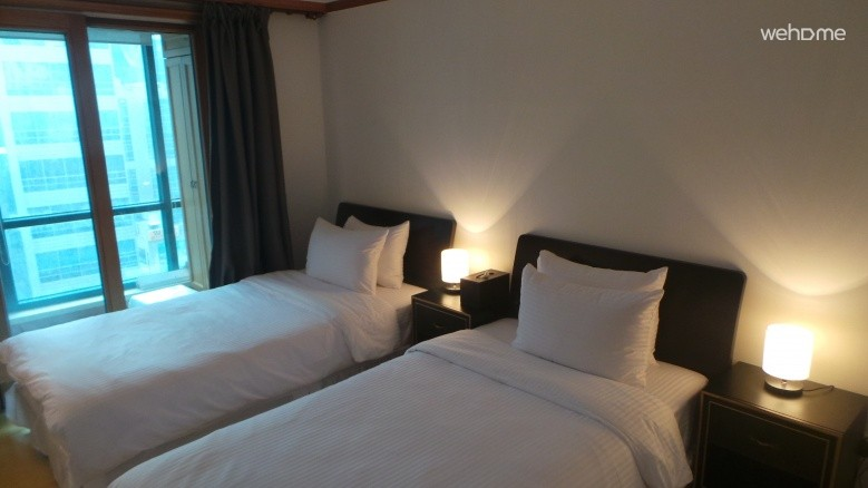 Twin room with city view_Gangnam Guest House SJ