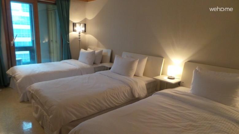 3 Super single beds Private_Gangnam Guest House SJ