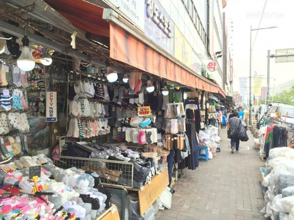 To Dongdaemun 5minutes on foot. And Clean room!