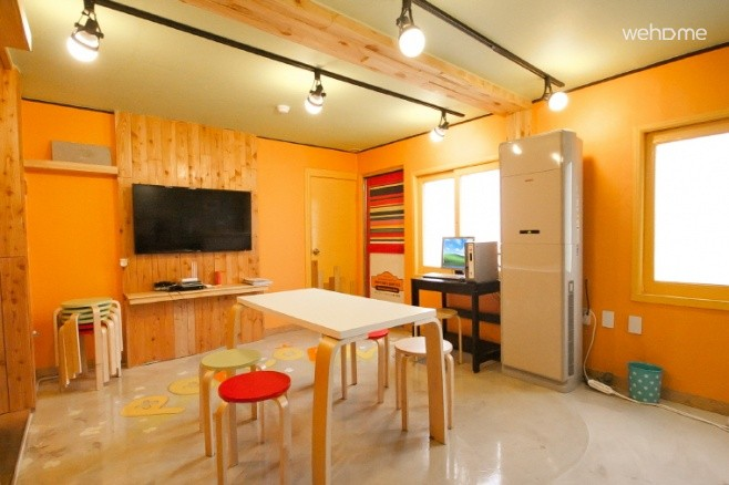- Popcorn Hostel - Couple Room (private bathroom)