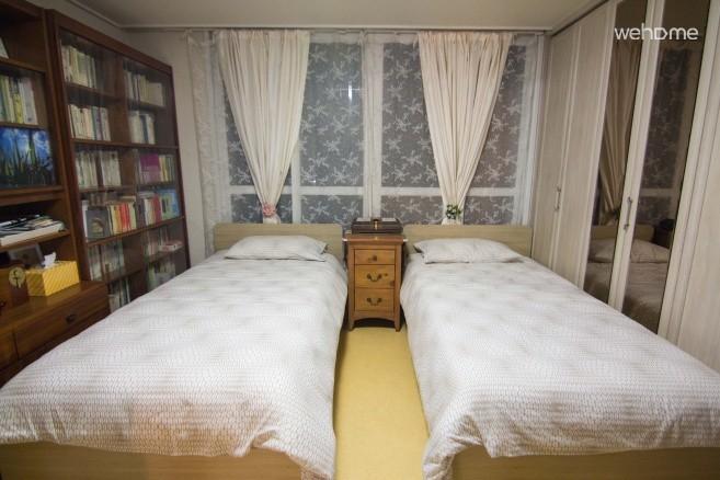 Hongik University, Hangang, Dangsan apartment near Seoul, twin