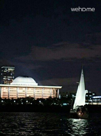 [Yeouido Han River - yacht cruise experience right one hours _ with a nice sunset