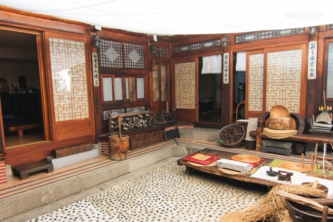 Hanok accommodation with various traditional experiential re seorim _ _ Double