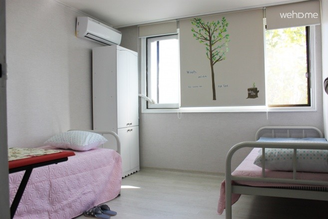 two person bed room