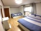 5个房间,15个床位的基础上,3间浴室 - 豪斯弘大入口,二楼共有,学校,工作和家庭聚会的欢迎。