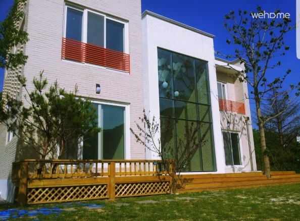 Villa-style pool villas and private pension LX22 Sejong 2