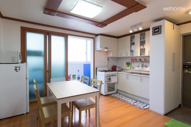 Hongdae 3 spacious room