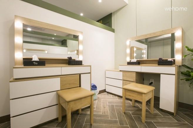 K79 8 Women Dormitory(Public Bathroom)