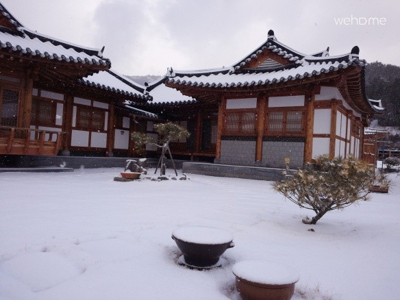 (Hwajeong-dong Tongge-hyeong) - A hanok that can feel the mood of the coastal road, Mir-gil and Numa