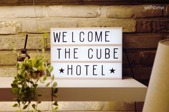 THE CUBE HOTEL (breakfast,WiFi,Terrace,Laundry)