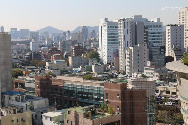 5-minute walk from Dongmyo Station and Sindang Station