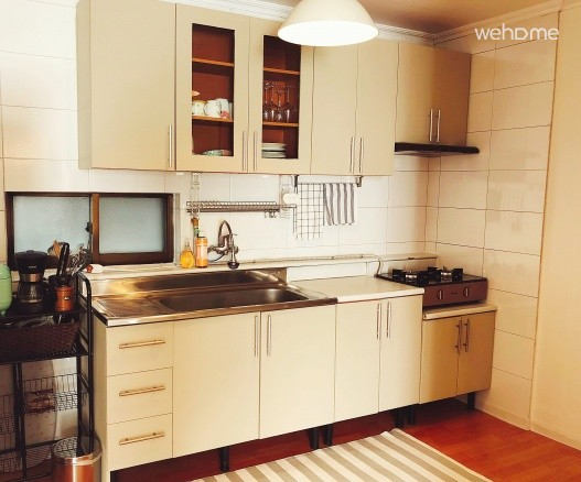 A well-equipped space to make a home-cooked meal.