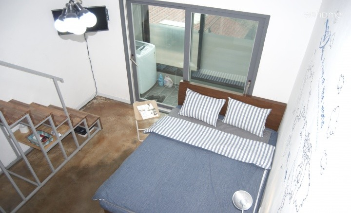 [HONG-DAE] BIG & Clean, The best location