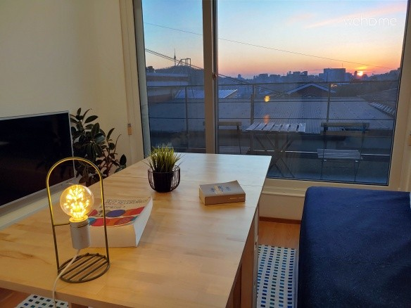 [Naksan Balcony] Sunshine Filled with Glowing City View